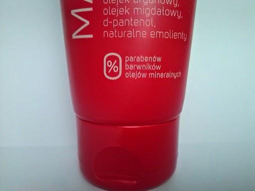 http://www.kosmetykiani.pl/2014/11/regeneracja-doni-z-evree.html