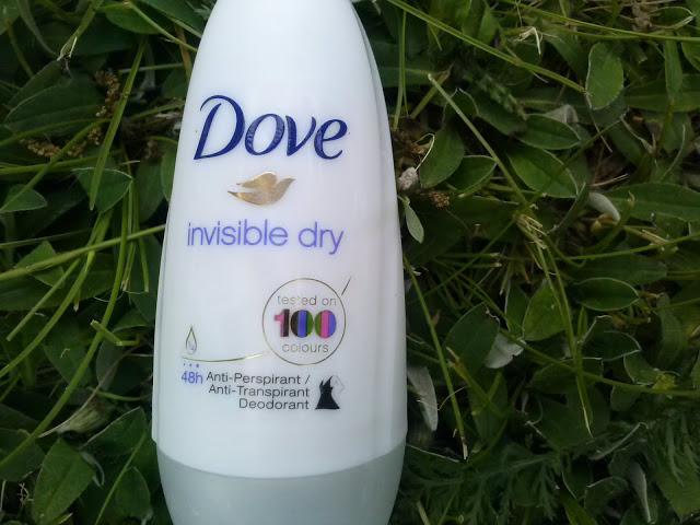 Antyperspirant Dove – ochrona bez białych śladów