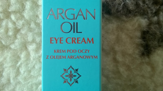 Krem arganowy – czy to dobry wybór do delikatnej skóry pod oczami?
