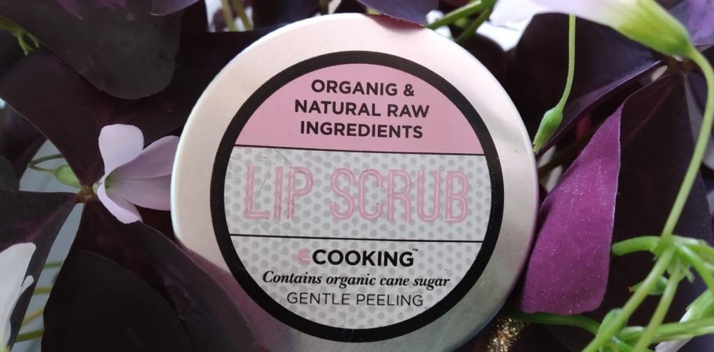 naturalny peeling do ust