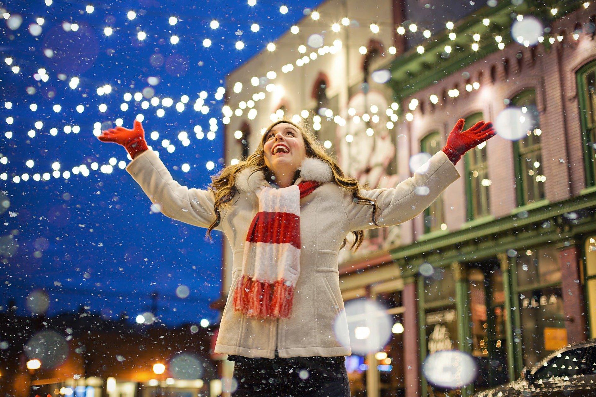 """Jak wyglądają Święta Bożego Narodzenia i przygotowania do Wigilii w polskich domach? O swoich tradycjach rodzinnych opowie nam dzisiaj Kasia z bloga """"Pudrowo""""."""