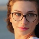 Makijaż dla osób w okularach. Dziesięć zasad, o których musisz wiedzieć!